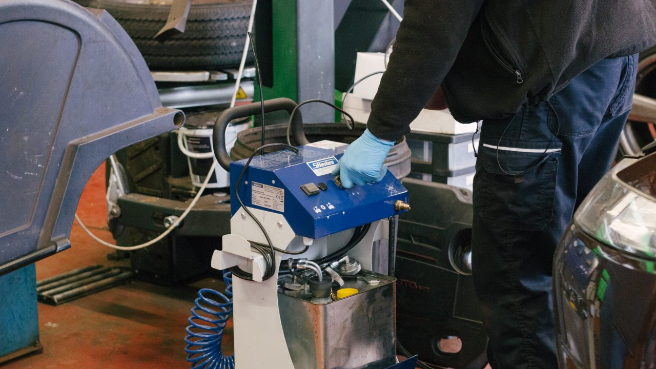 Brake fluid removal