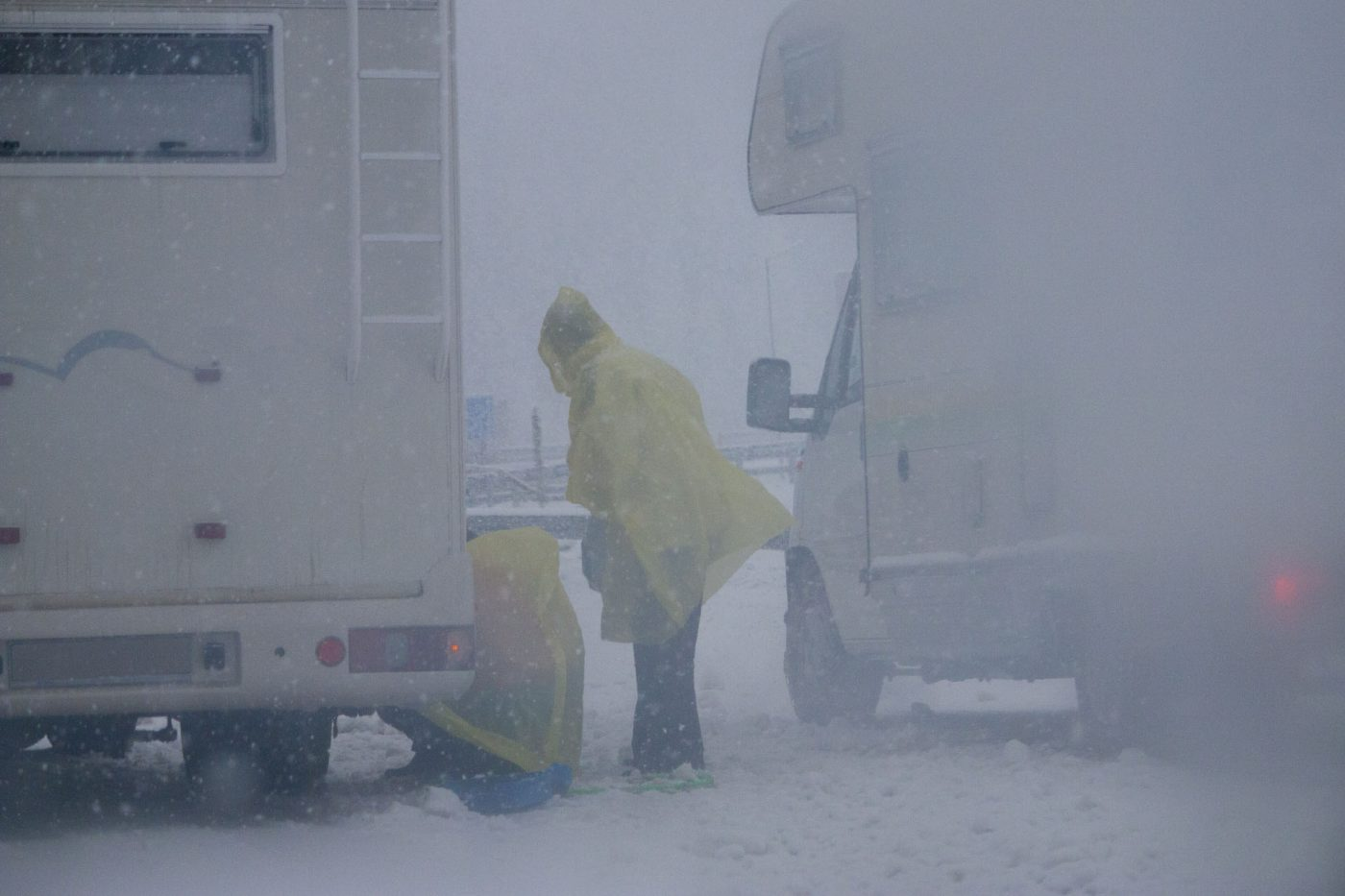 Motorhome repair in snow